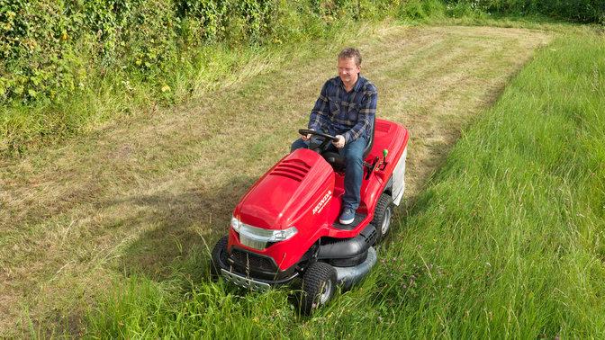 Aper u tracteurs tondeuses haut de gamme tondeuses - Tracteur tondeuse mulching ...